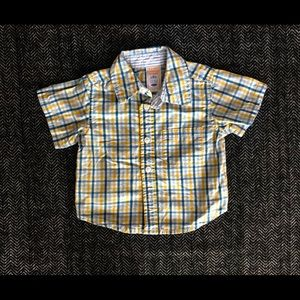 Old navy short sleeved button down size 3-6m